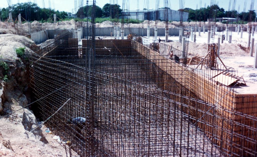Cimentaciones especiales starck construcciones s a de c v for Muro de concreto armado
